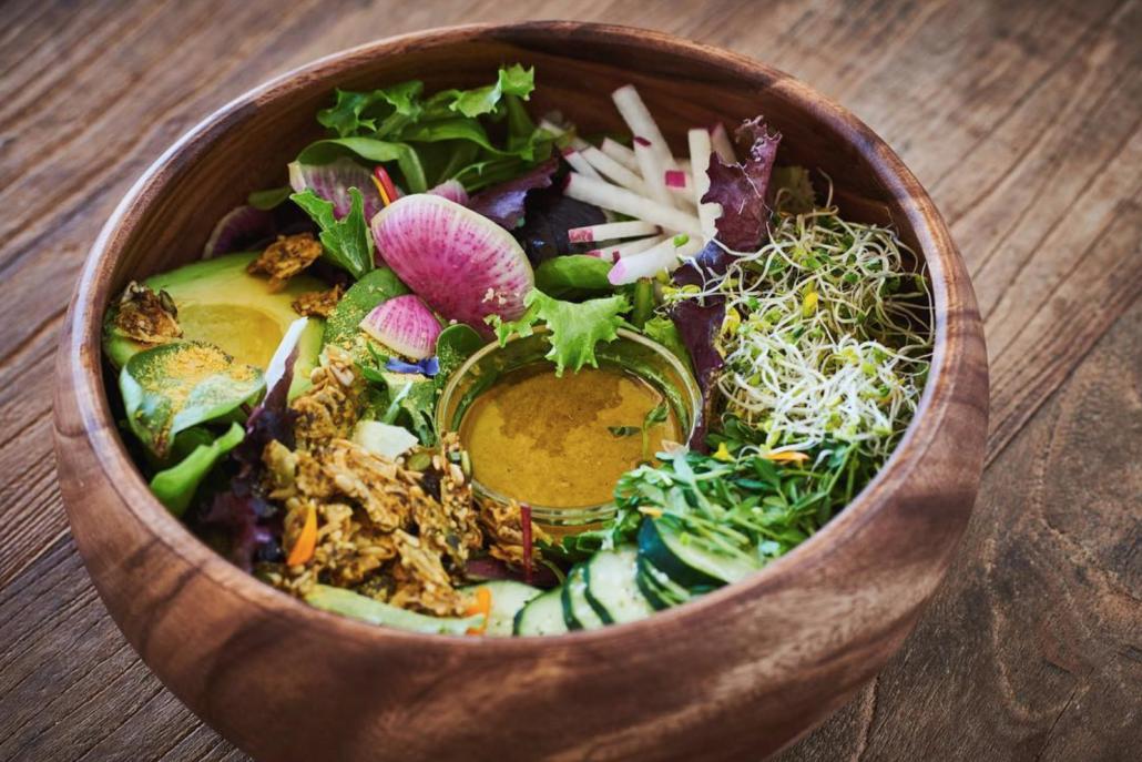 superfood-salad-organictree